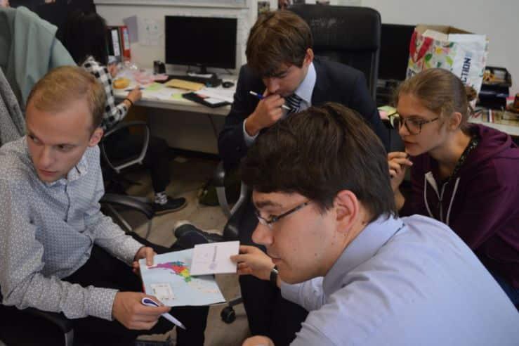 Commissie van SIB-Utrecht tijdens de jaarlijkse crisissimulatie van de vereniging